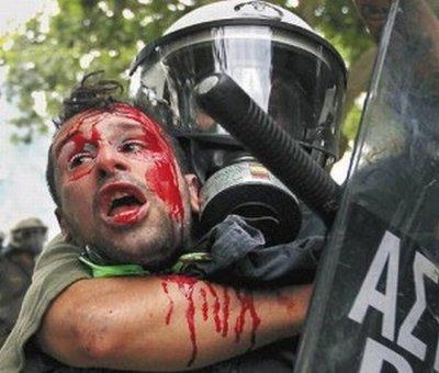 Griechenland nahe am Krieg.... 26169810