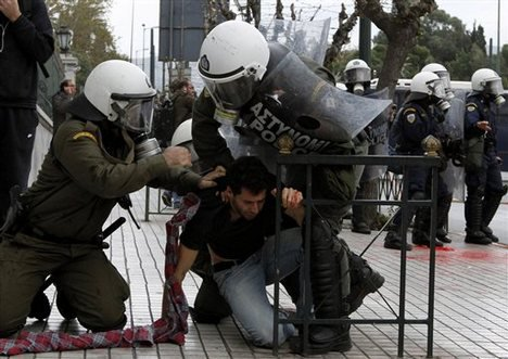 Griechenland nahe am Krieg.... 26192310