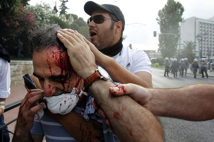 Griechenland nahe am Krieg.... 26382610