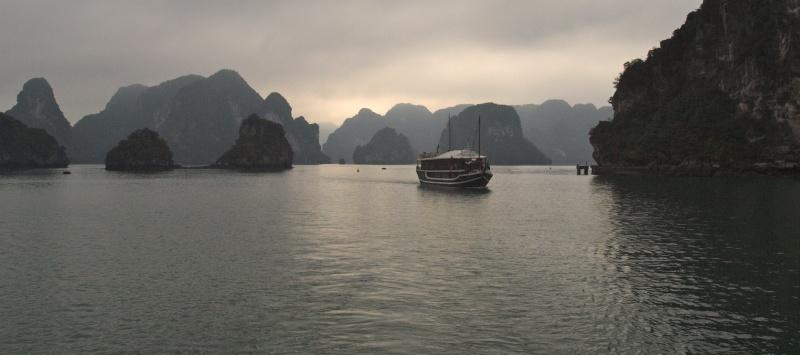 Vietnam... La Baie d'Halong... en Kayak P1197510