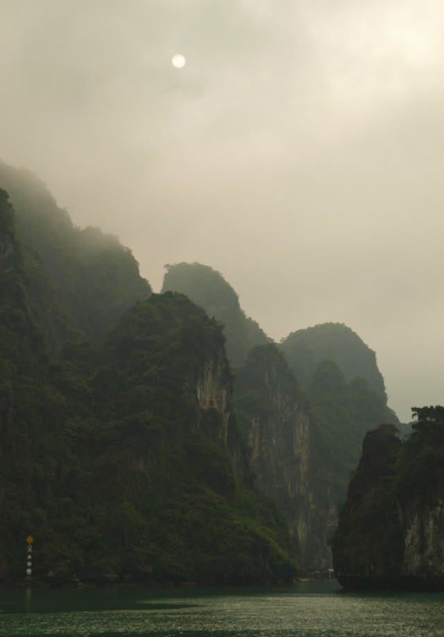 Vietnam... La Baie d'Halong... en Kayak P1197512