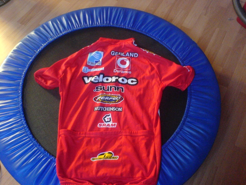 MAILLOTS - Page 2 Veloro11