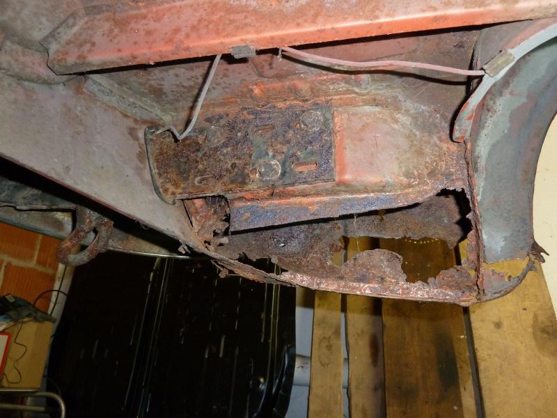 denis du bas rhin et sa Karmann Ghia de 73 sortie de grange - Page 2 P1010113