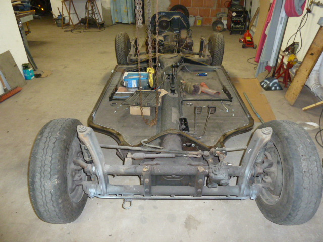 denis du bas rhin et sa Karmann Ghia de 73 sortie de grange - Page 5 P1070813