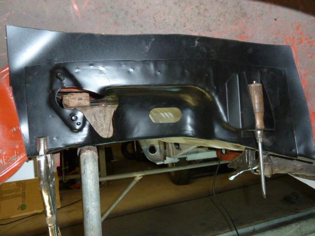 denis du bas rhin et sa Karmann Ghia de 73 sortie de grange - Page 5 P1080114