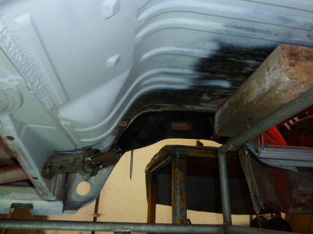 denis du bas rhin et sa Karmann Ghia de 73 sortie de grange - Page 5 P1080115