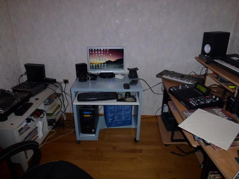 Photos de votre home studio - Page 15 P1000120