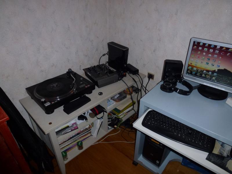 Photos de votre home studio - Page 15 P1000122