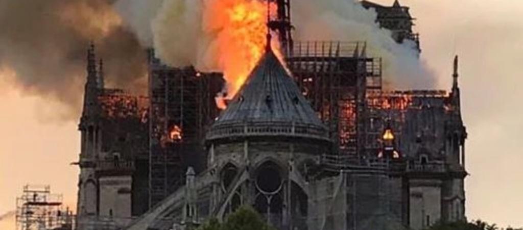 Martine, Prophète de France, avait annoncé l'incendie de Notre-Dame de Paris dès 2015 ! 3724710