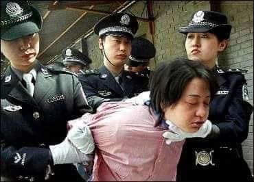 Reportage-Choc en Images : Persécution des Chrétiens en Chine ! 51304410