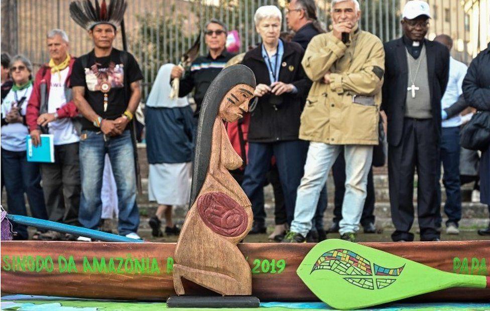 SONDAGE : Rituel écologique païen dans les Jardins du Vatican sous les yeux du Pape François ! - Page 9 _1094110