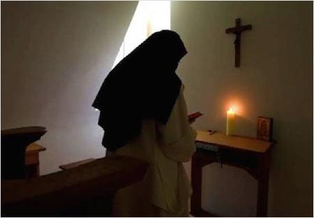 Le Pape aux Émirats : En route vers l'Unique Religion Mondiale ! Chartr10