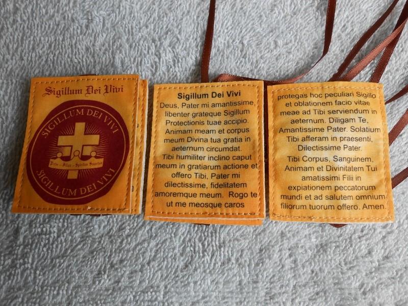 Où commander le Livre de la Vérité, la Croisade de Prière, la Médaille du Salut et le Scapulaire du Dieu Vivant ? Dscn0711