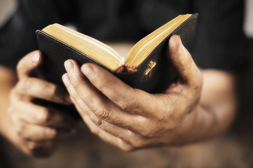 CARBONIA - Aucun autre Évangile ne peut remplacer Celui que Je vous ai dicté ! Evangi10