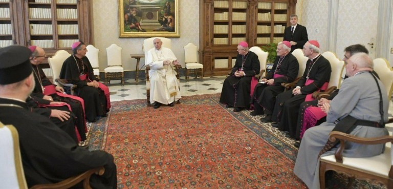 Le Pape aux Émirats : En route vers l'Unique Religion Mondiale ! F0895b10