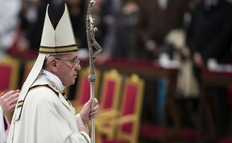 Le Pape fait l'éloge des lignes directrices de Lisbonne qui permettent la Communion aux divorcés rem Franci10