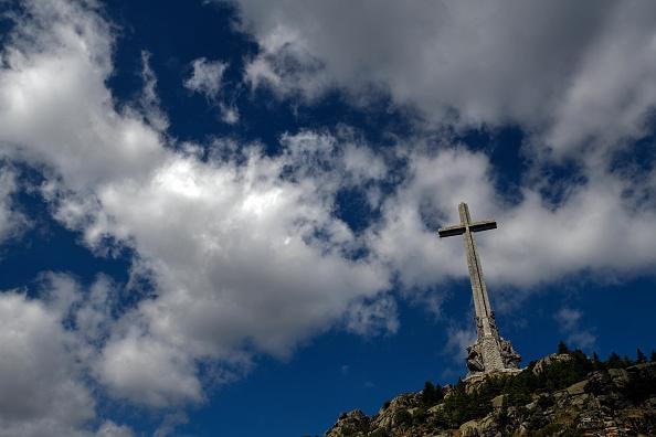 ÎLE DE LESBOS : 36 Grecs arrêtés pour avoir érigé une Croix afin de dissuader les migrants... ! Gettyi12