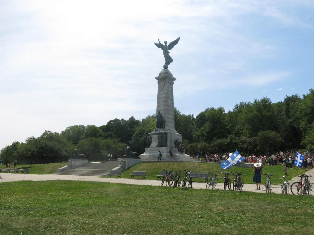 MONTRÉAL - Monument George-Étienne Cartier - Reportage-photos du Rassemblement pour nos Droits ! Img_2711