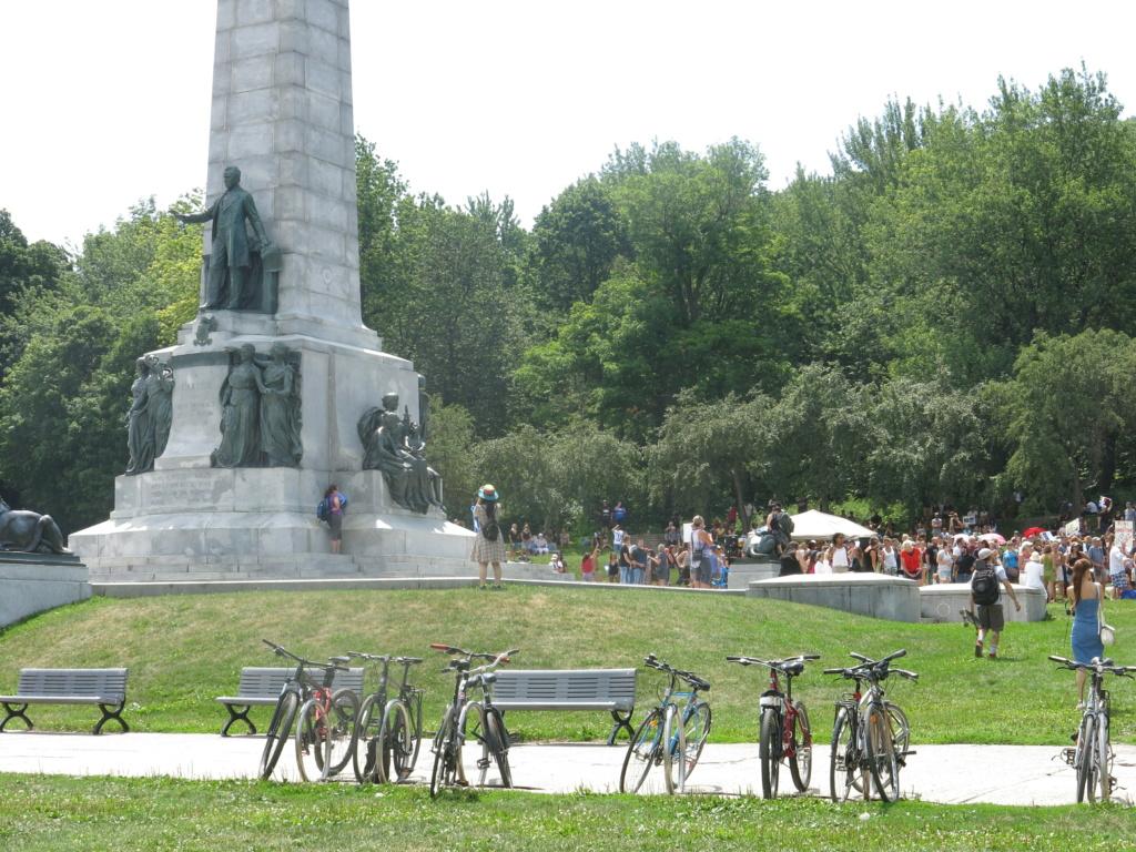 MONTRÉAL - Monument George-Étienne Cartier - Reportage-photos du Rassemblement pour nos Droits ! Img_2712