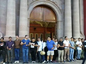 Des féministes pro-avortement tentent d'incendier la cathédrale de Mexico - VOIR LA VIDÉO ! Mexiqu11