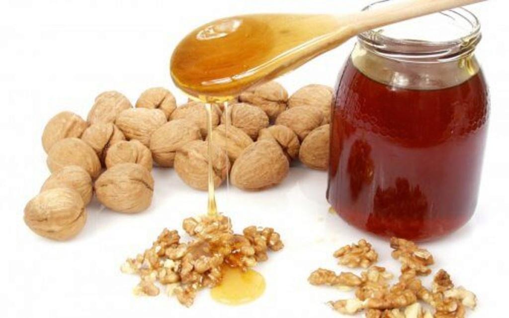 EN TEMPS DE FAMINE, une cueillerée de miel et des noix sera une nourriture suffisante pour la survie de l'organisme ! Miel-e10
