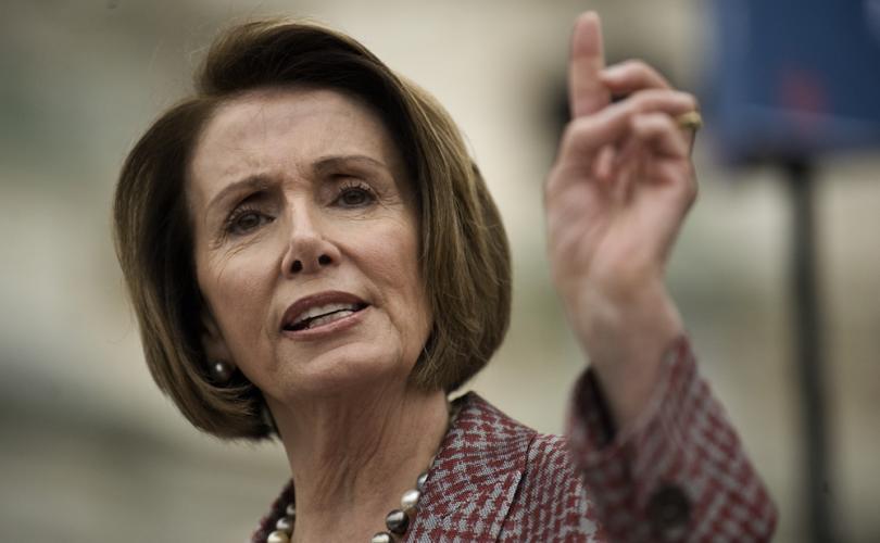 Nancy Pelosi affirme que les églises l'ont aidée à encourager les illégaux à enfreindre la loi ! Nancyp10