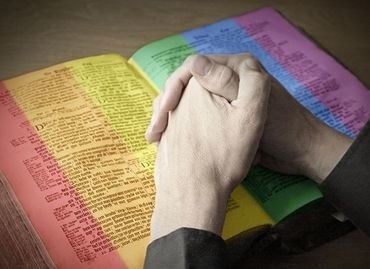 Censure : Ils ont commencé à retirer des versets de la Bible ! Ob_47210