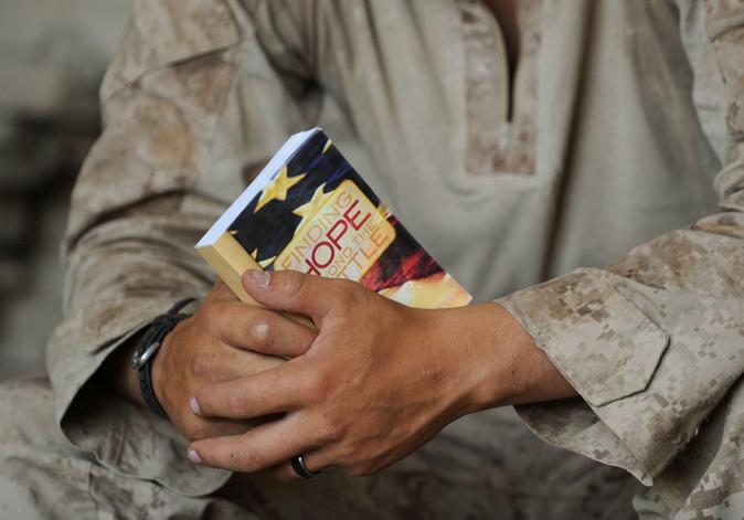 Censure : Retrait des Bibles des bases militaires américaines ! Ob_e8a10