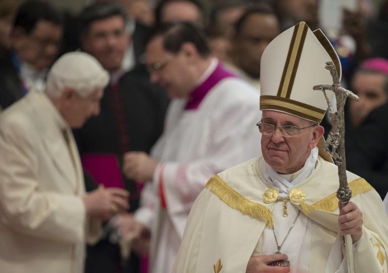 Le Pape aux Émirats : En route vers l'Unique Religion Mondiale ! - Page 2 Sans-113