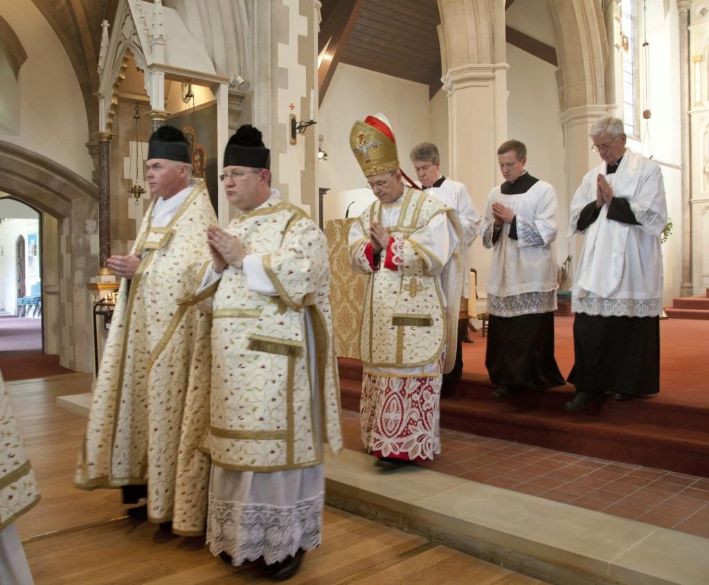 Protestation contre les actes sacrilèges du Pape François Sans-327