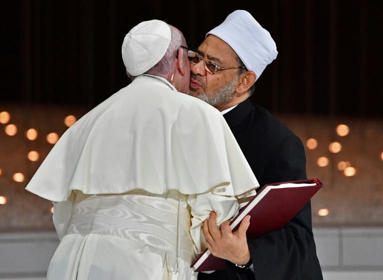 Le Pape aux Émirats : En route vers l'Unique Religion Mondiale ! Sans-t35