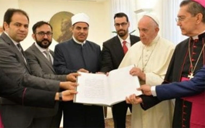 Le Pape aux Émirats : En route vers l'Unique Religion Mondiale ! - Page 4 Sans-t99