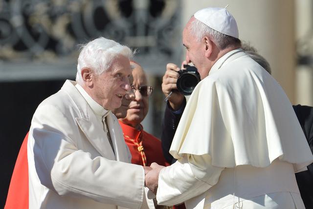 "BARTHOLOMAEO : ""Mon Vicaire (Benoît XVI) ne gardera pas longtemps la tête de ses ouailles...,"" ! Topele10"