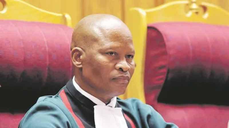 Le Pésident de la Cour Suprême d'Afrique du Sud associe les vaccins à un programme satanique ! Unnam203