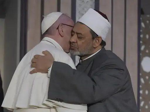 EUGENIO SCALFARI : L'objectif du Pape François est de créer une Religion Mondiale ! Unnam290