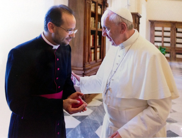 Le Pape aux Émirats : En route vers l'Unique Religion Mondiale ! - Page 2 Yoanni10
