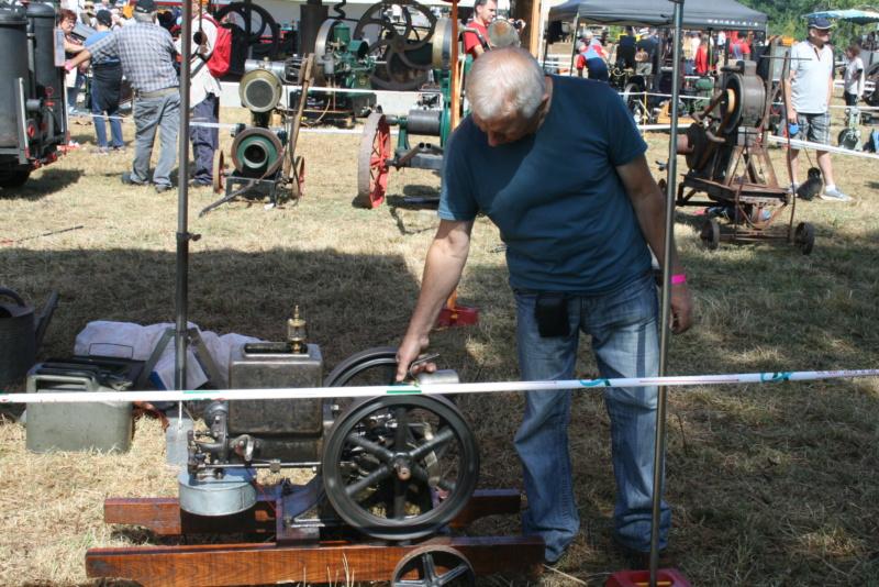 festival des vieilles mécaniques de Cazals  Img_4372