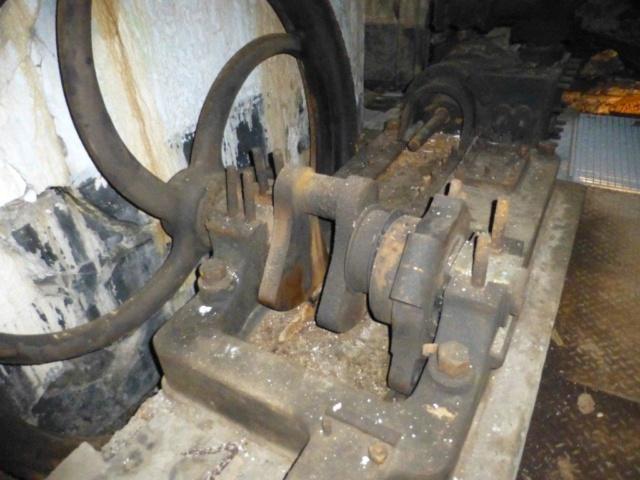 MACHINE A VAPEUR DES FORTS DE LA MEUSE EN 1914 - Page 13 P1050211