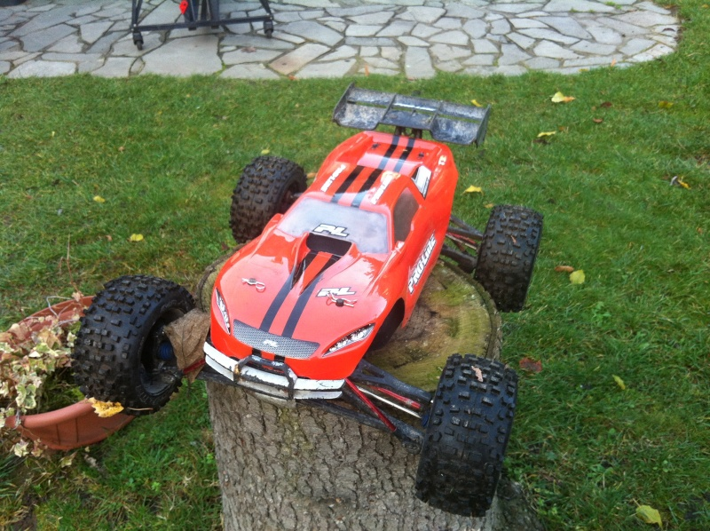 E-Revo Brushless By Furion - Page 7 Img_0011