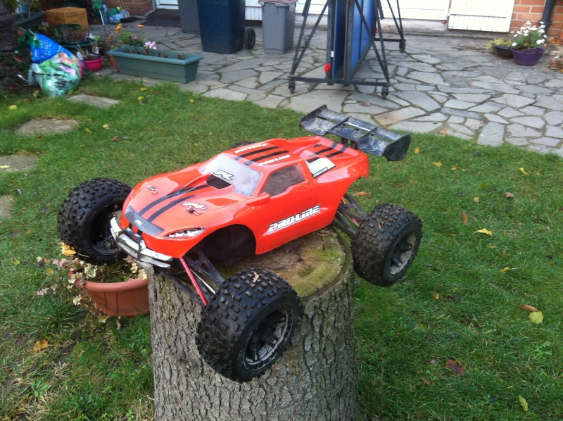 E-Revo Brushless By Furion - Page 7 Img_0013