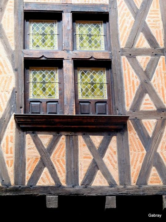 Des fenêtres d'hier et d'aujourd'hui. J08--f10