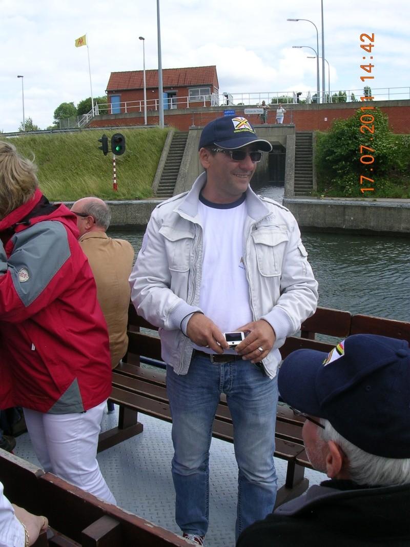 Visite du Canal du Centre historique le dimanche 17 juillet - Page 20 Photo266