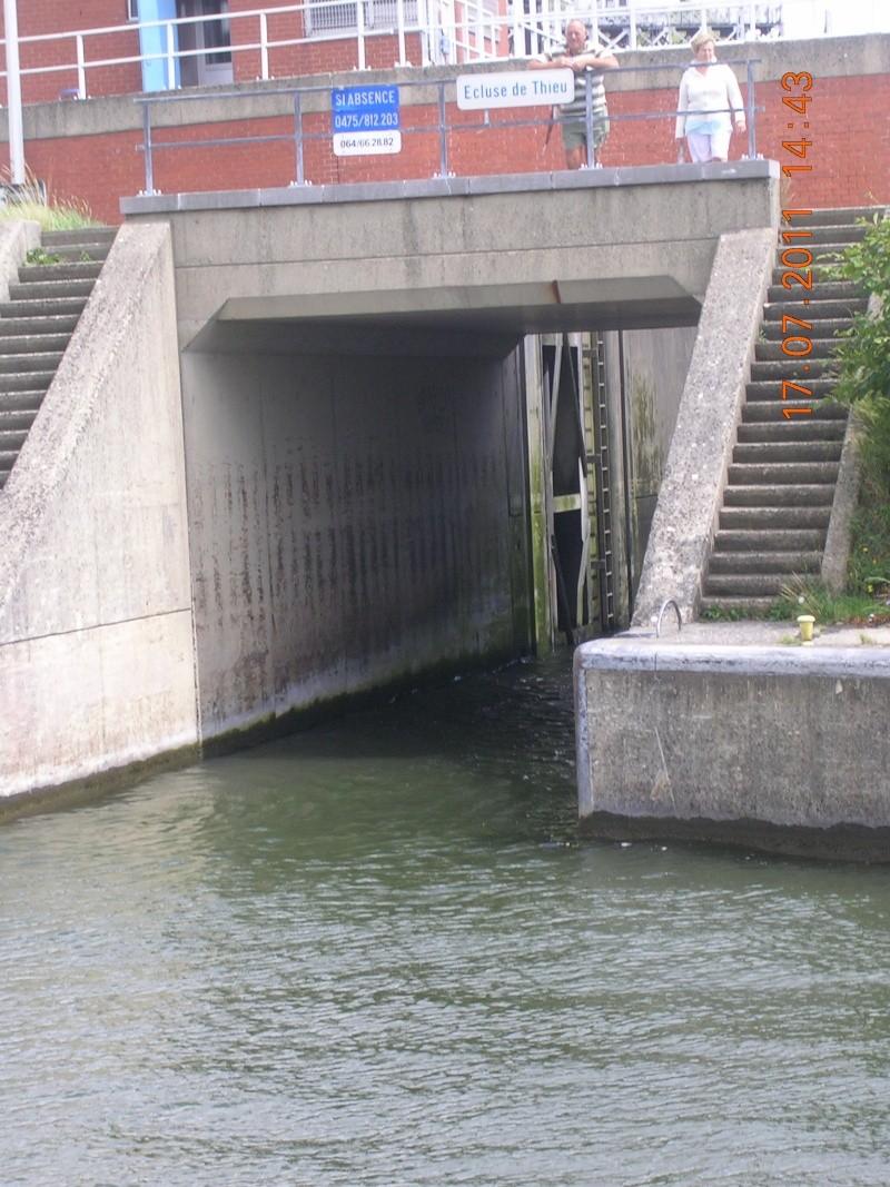 Visite du Canal du Centre historique le dimanche 17 juillet - Page 20 Photo267