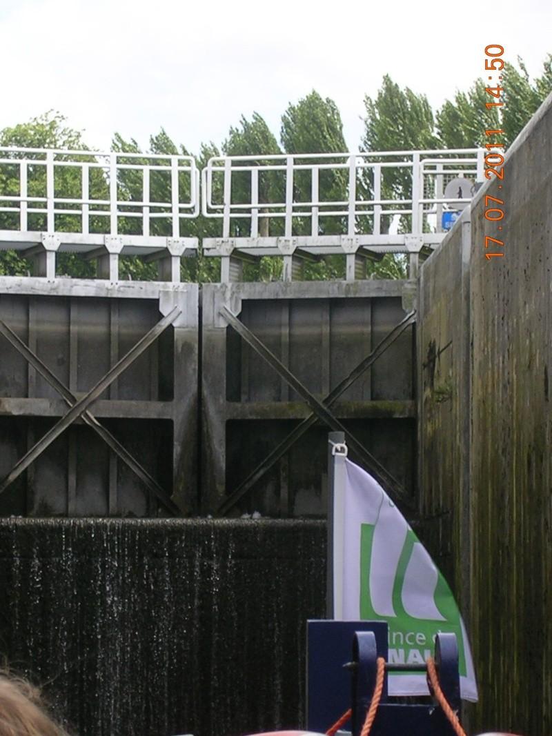 Visite du Canal du Centre historique le dimanche 17 juillet - Page 20 Photo271