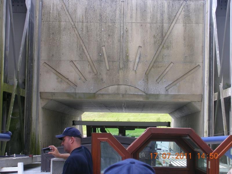 Visite du Canal du Centre historique le dimanche 17 juillet - Page 20 Photo272