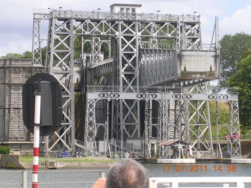 Visite du Canal du Centre historique le dimanche 17 juillet - Page 20 Photo275