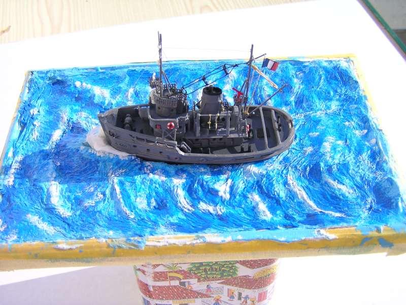 Construction en bateau moule du remorqueur l'HIPPOPOTAME  - Page 2 8010