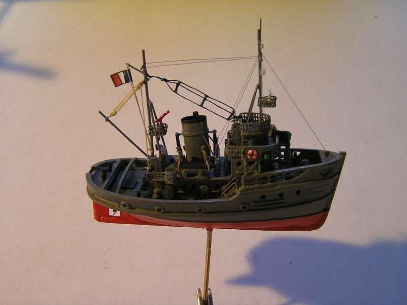 Construction en bateau moule du remorqueur l'HIPPOPOTAME  - Page 2 8210