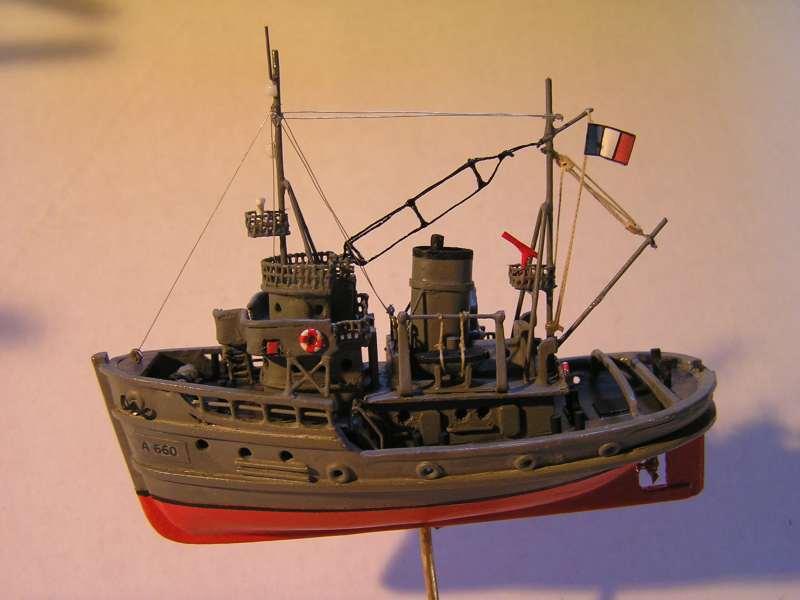 Construction en bateau moule du remorqueur l'HIPPOPOTAME  - Page 2 8310