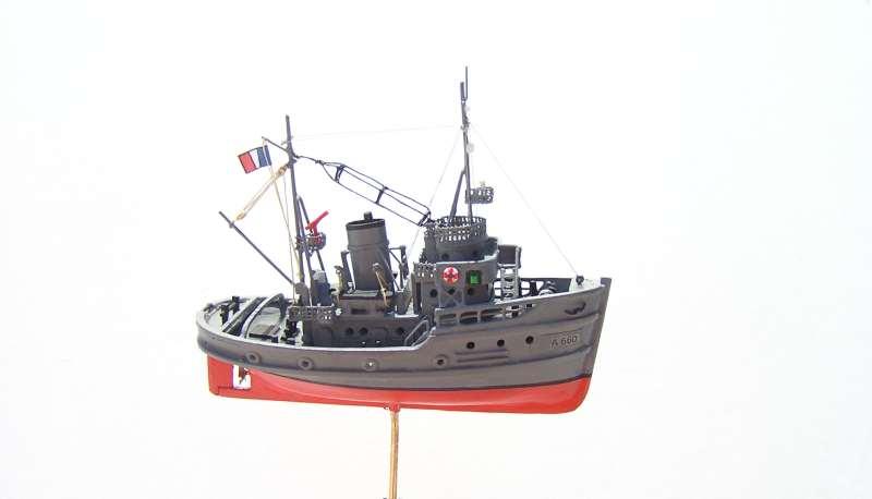 Construction en bateau moule du remorqueur l'HIPPOPOTAME  - Page 2 8410